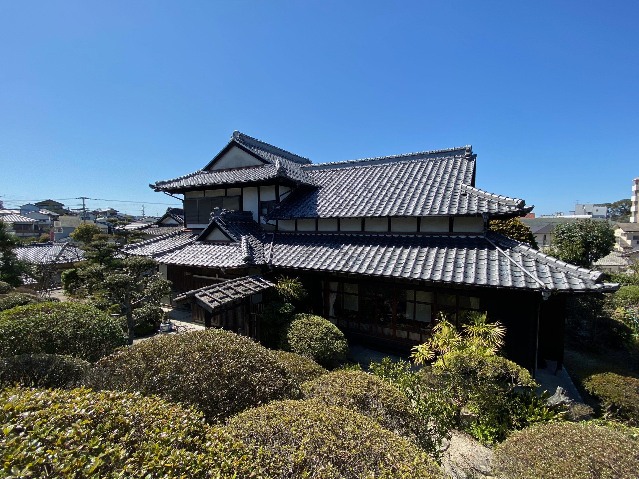 小高い丘に佇む古民家邸宅